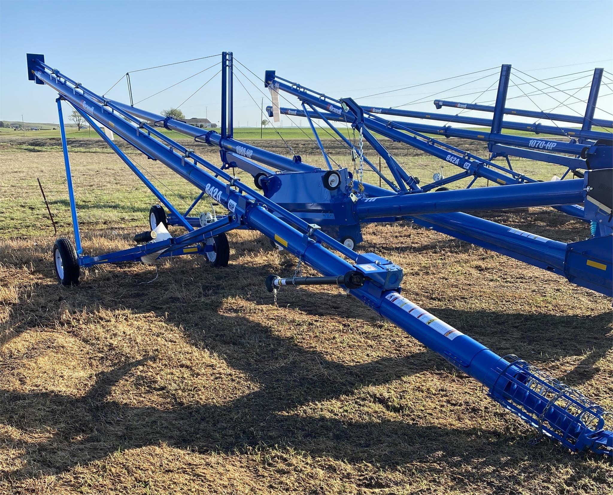 2018 Brandt 842 Augers and Conveyor