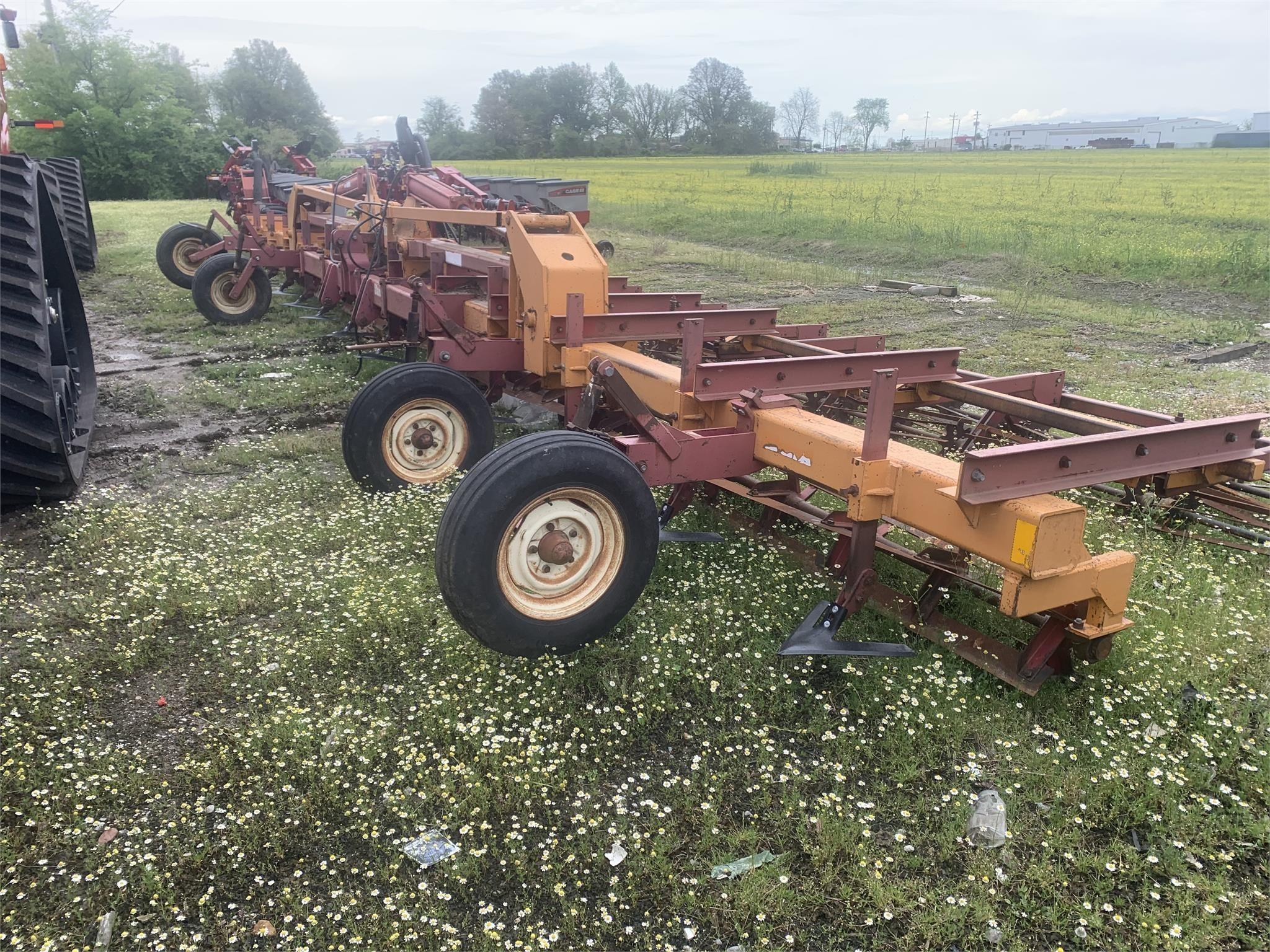2006 W & A Manufacturing 2114 Cultivator