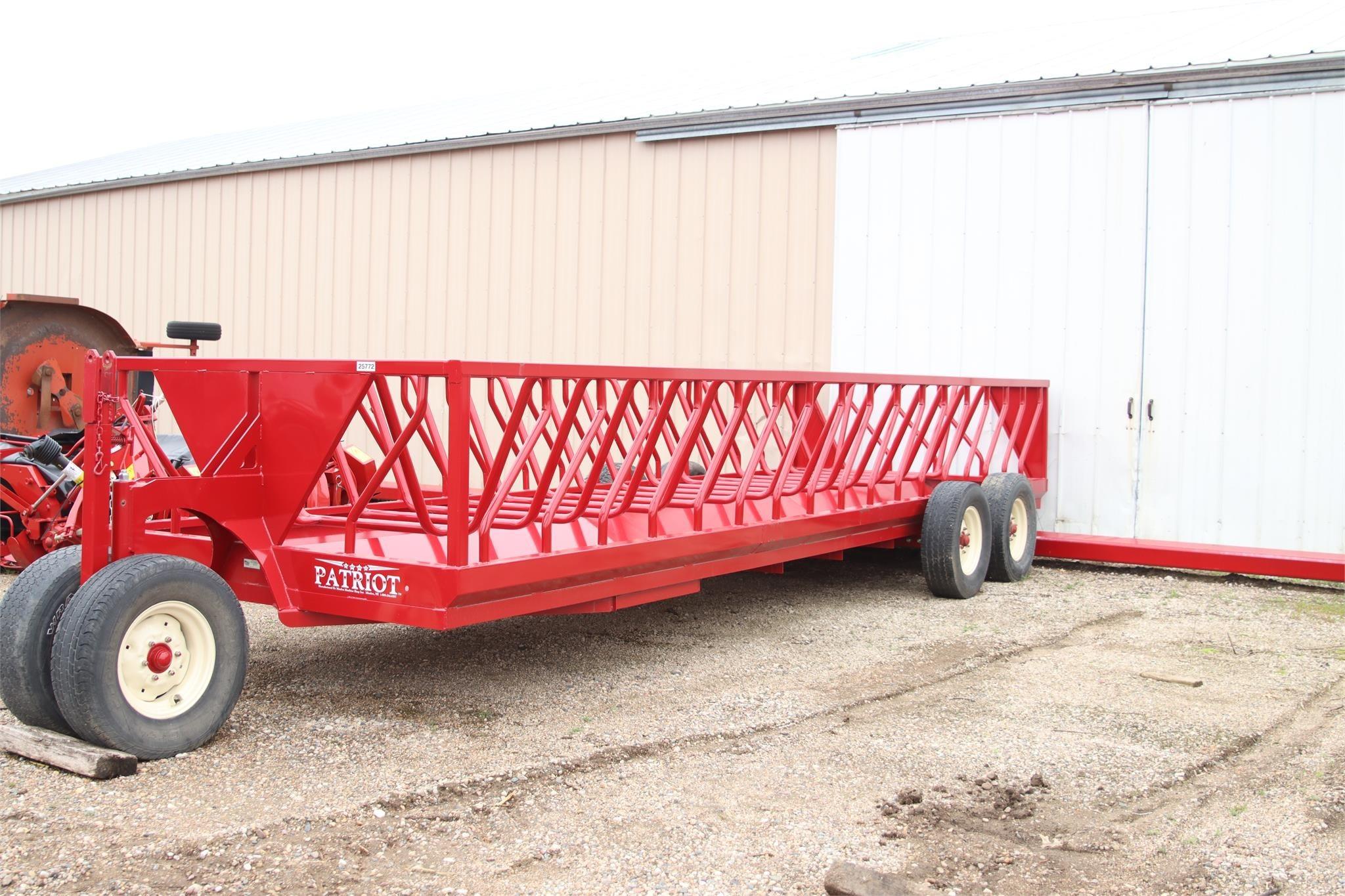 2019 Patriot 24BF Feed Wagon