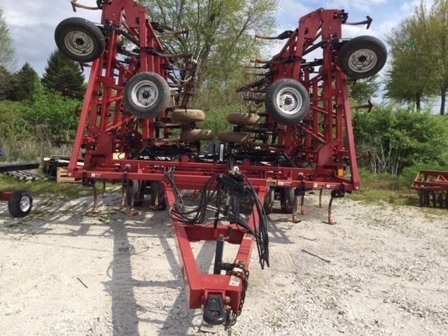 2009 Case IH Tigermate 200 Field Cultivator