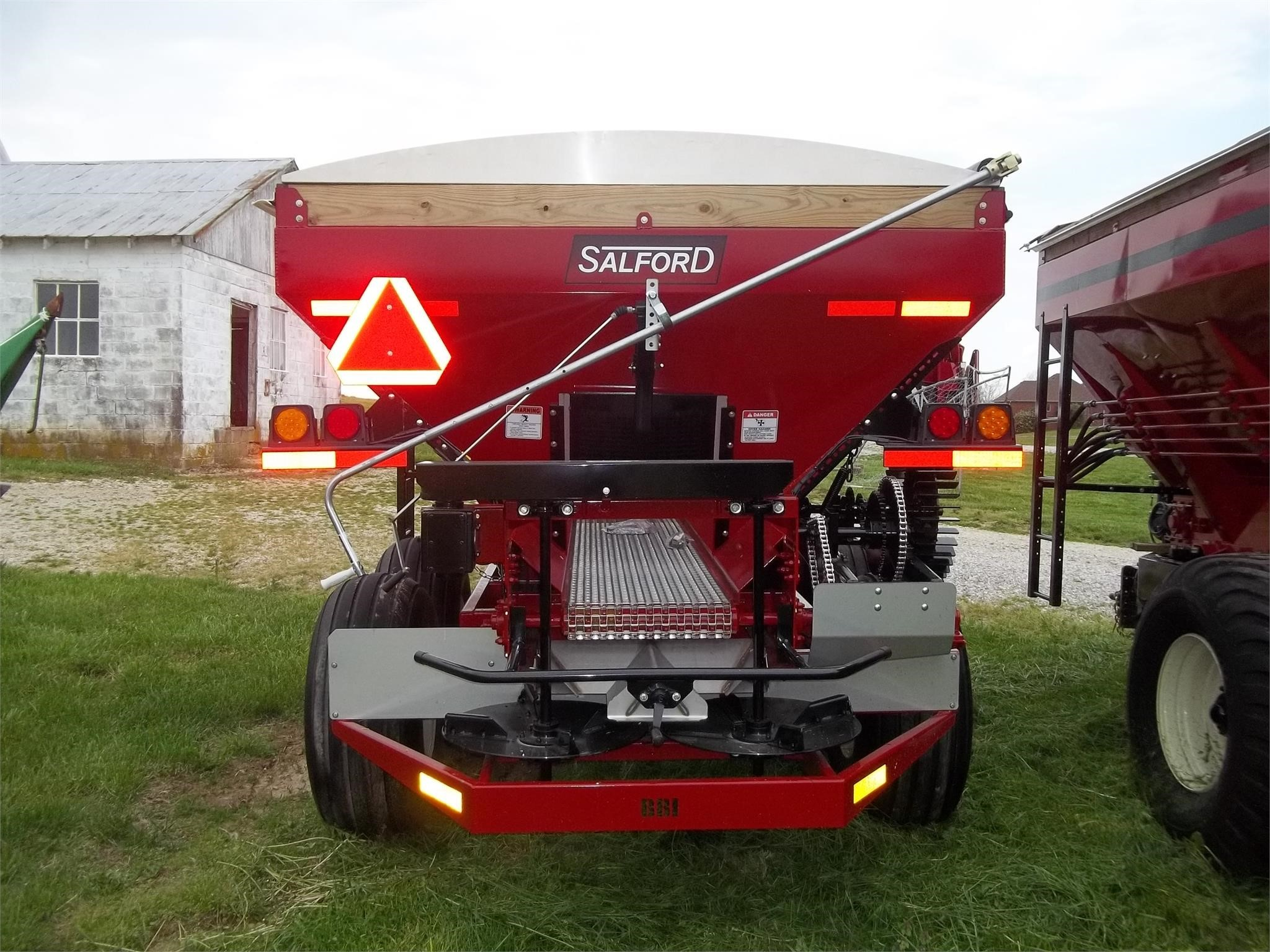 2019 BBI Liberty Pull-Type Fertilizer Spreader
