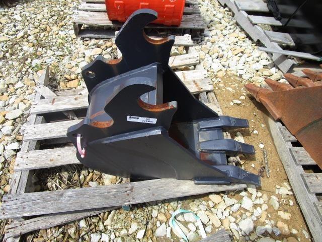 2017 Kubota K7872 Backhoe and Excavator Attachment