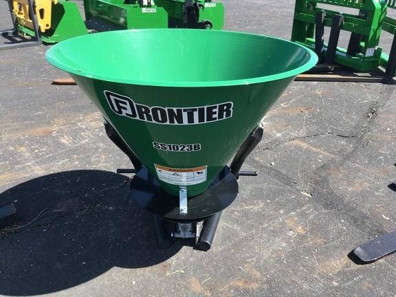 2019 Frontier SS1023B Pull-Type Fertilizer Spreader