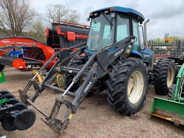 New Holland TV140 Tractor