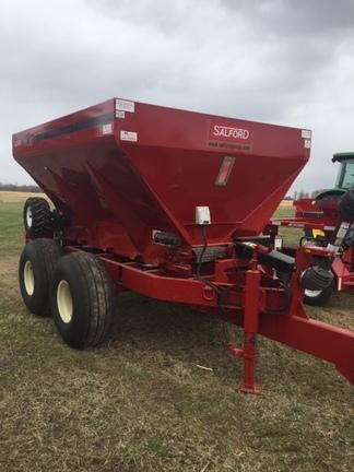 2015 BBI Liberty Pull-Type Fertilizer Spreader