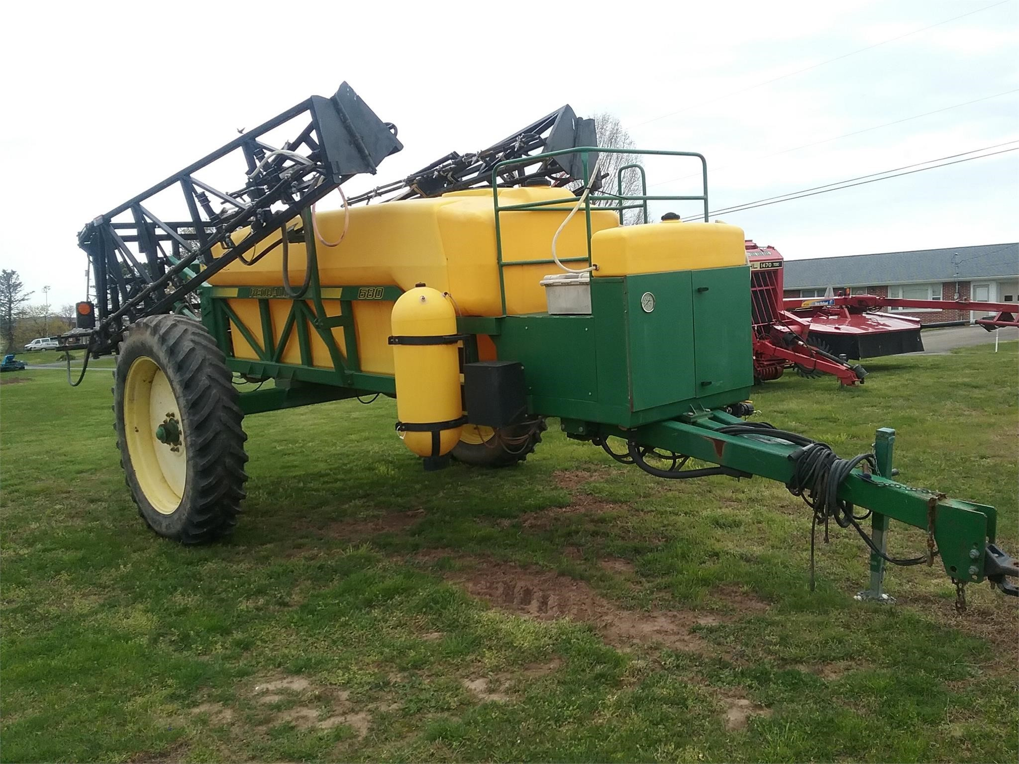 Redball 1350 Pull-Type Sprayer