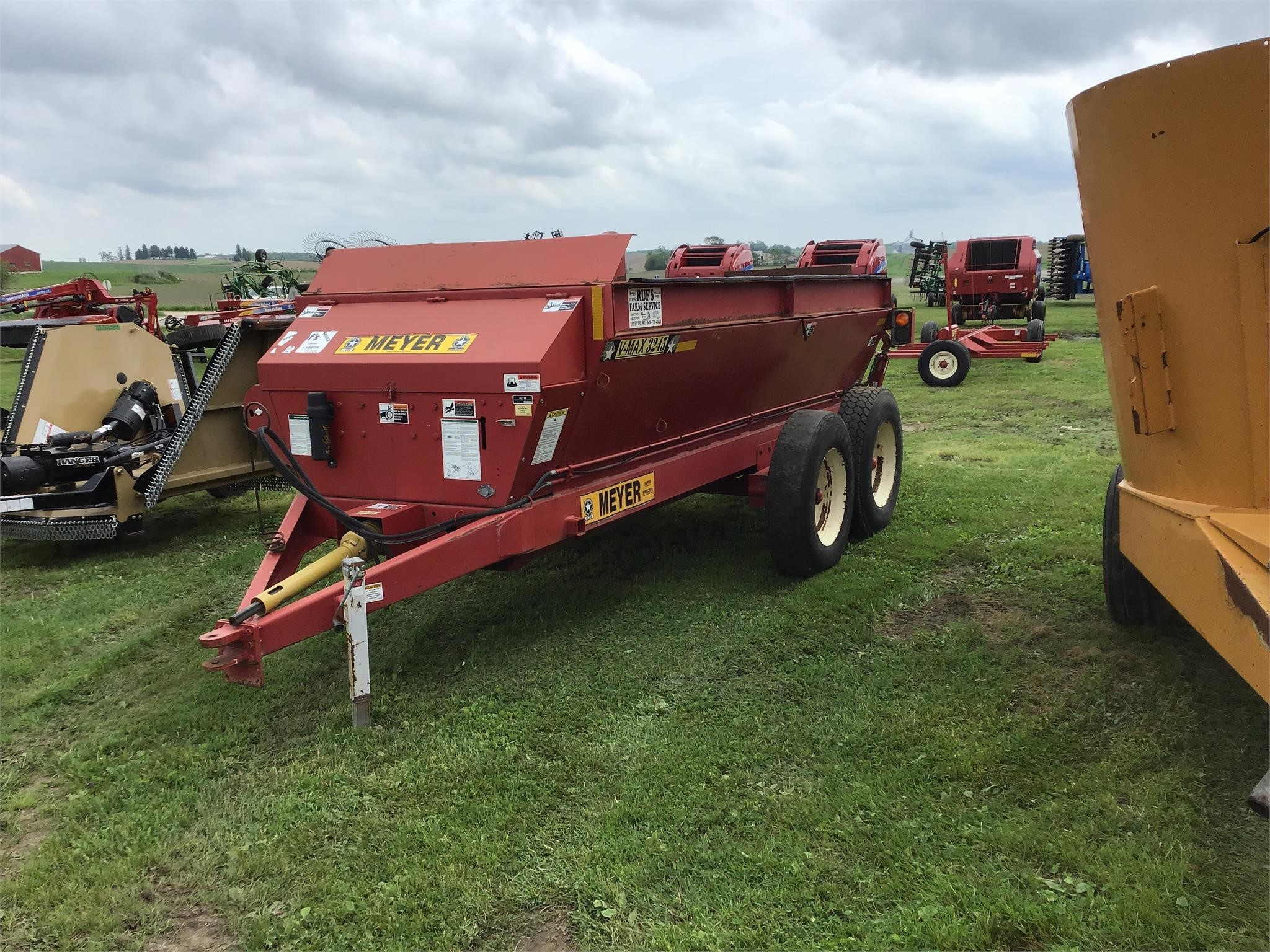 Meyer V-MAX 3245 Manure Spreader