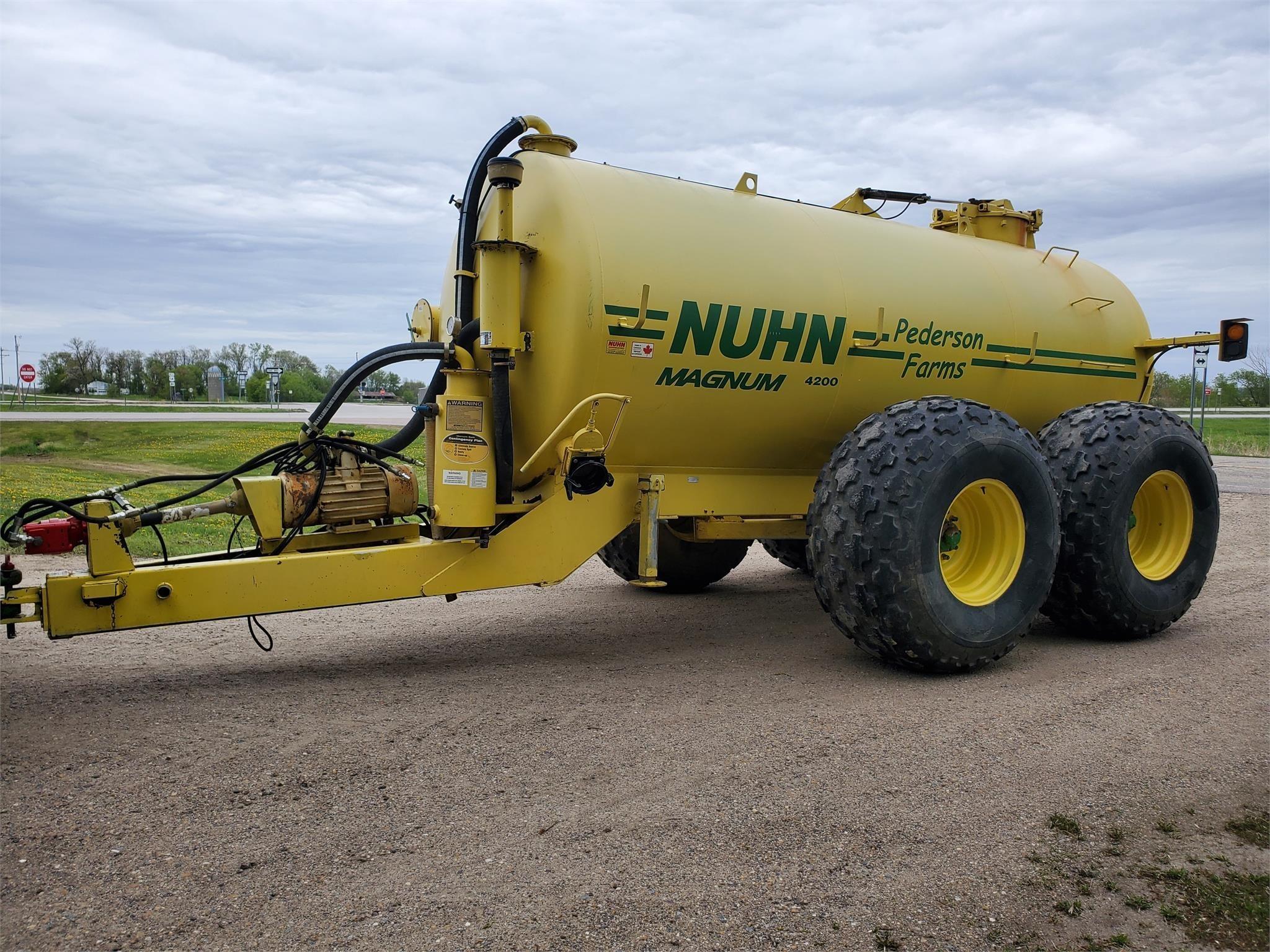 Nuhn 4200 Manure Spreader