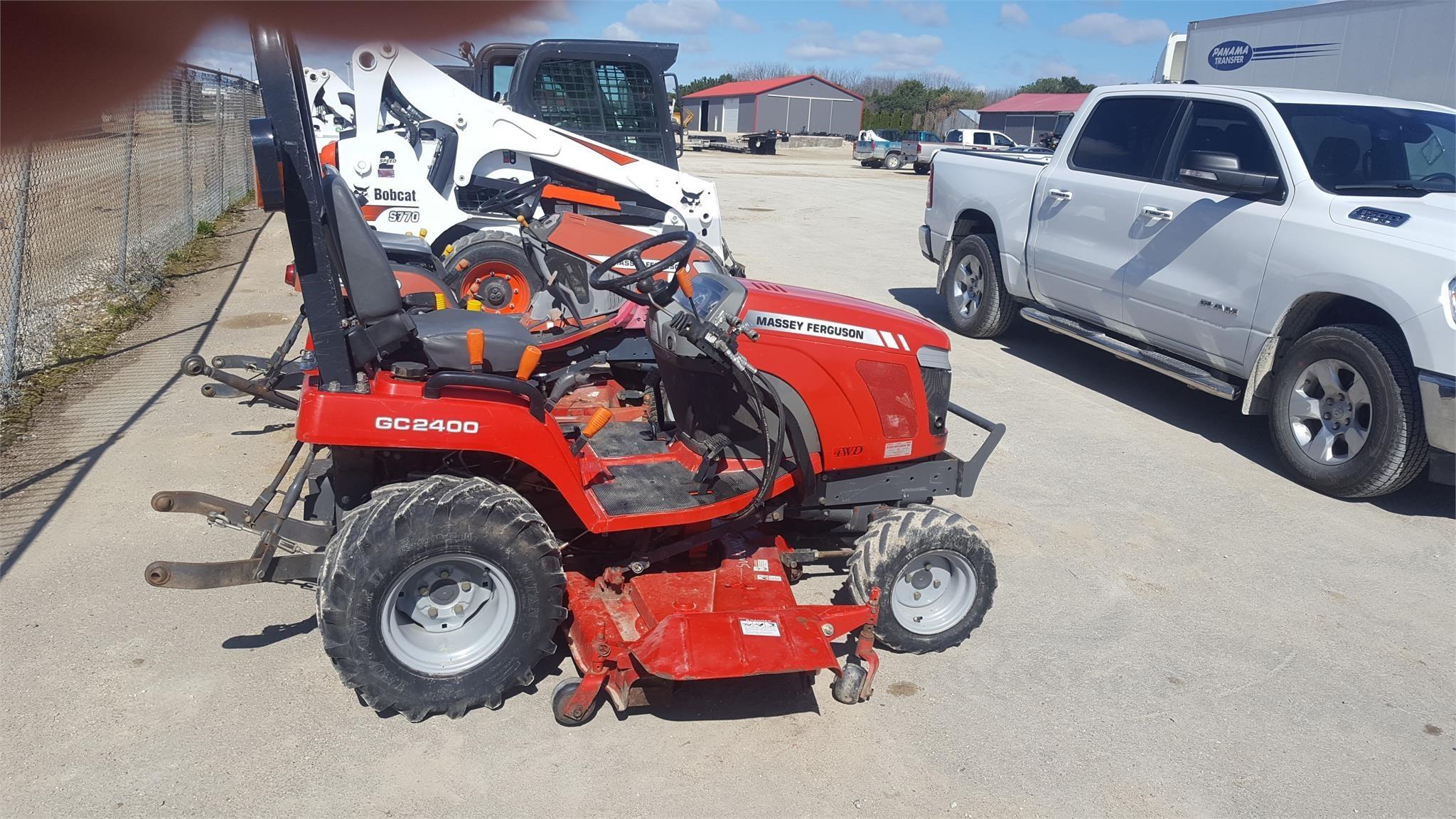 2009 Massey Ferguson GC2400 Tractor