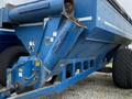 1990 Kinze 840 Grain Cart