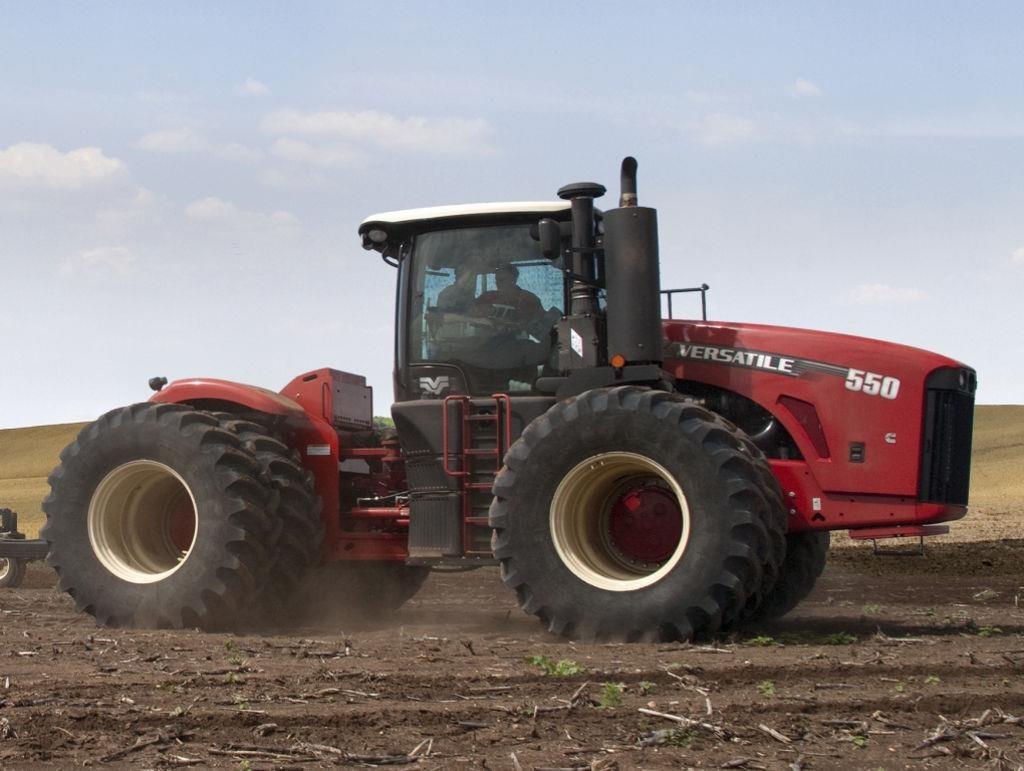 2014 Versatile 550 Tractor