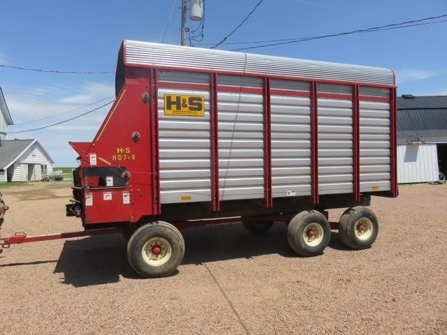 1995 H & S FB7416 Forage Wagon