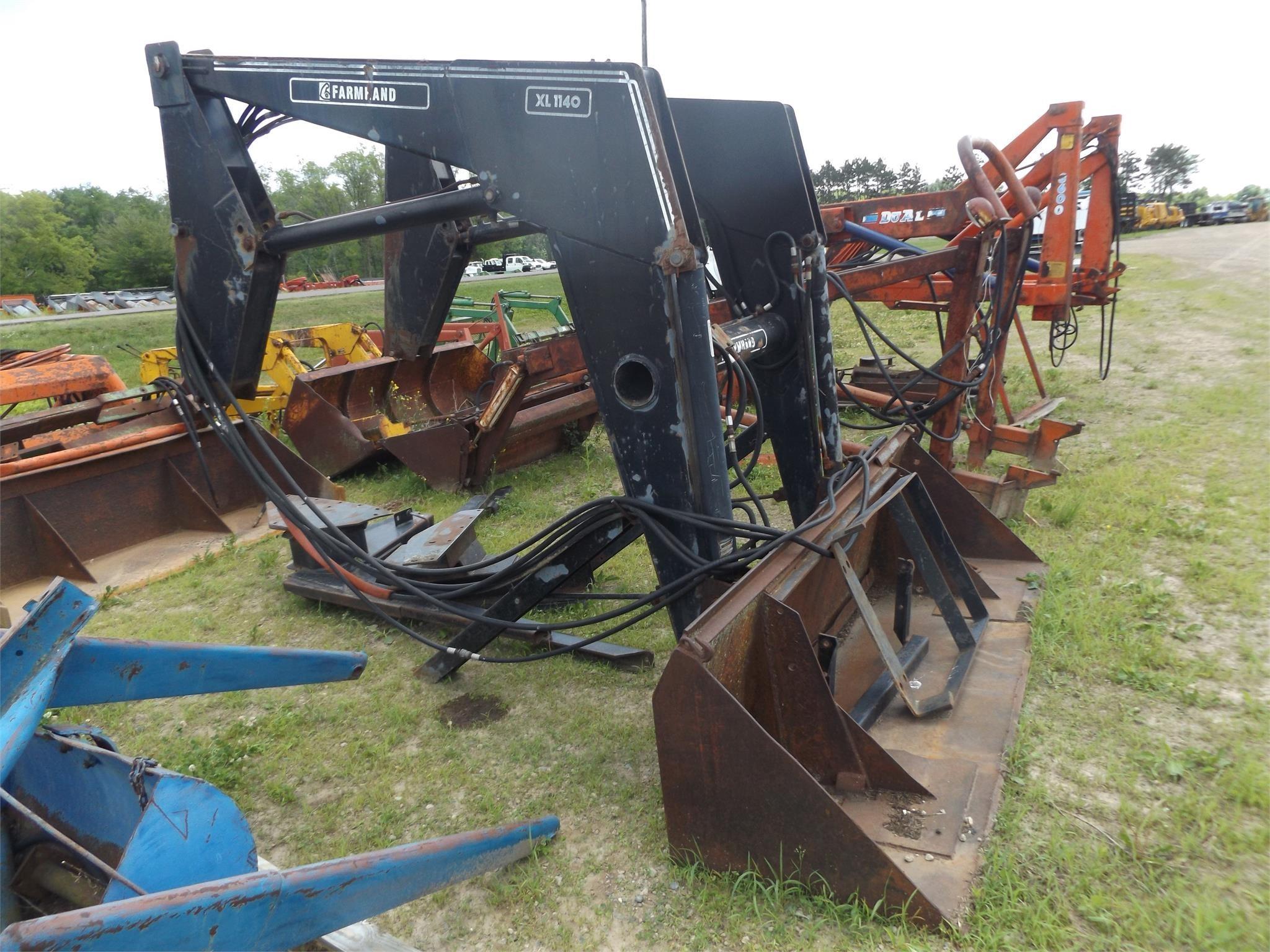 Farmhand XL1140 Front End Loader
