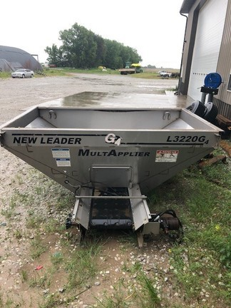 New Leader L3220 G4 MULTIPLIER Pull-Type Fertilizer Spreader