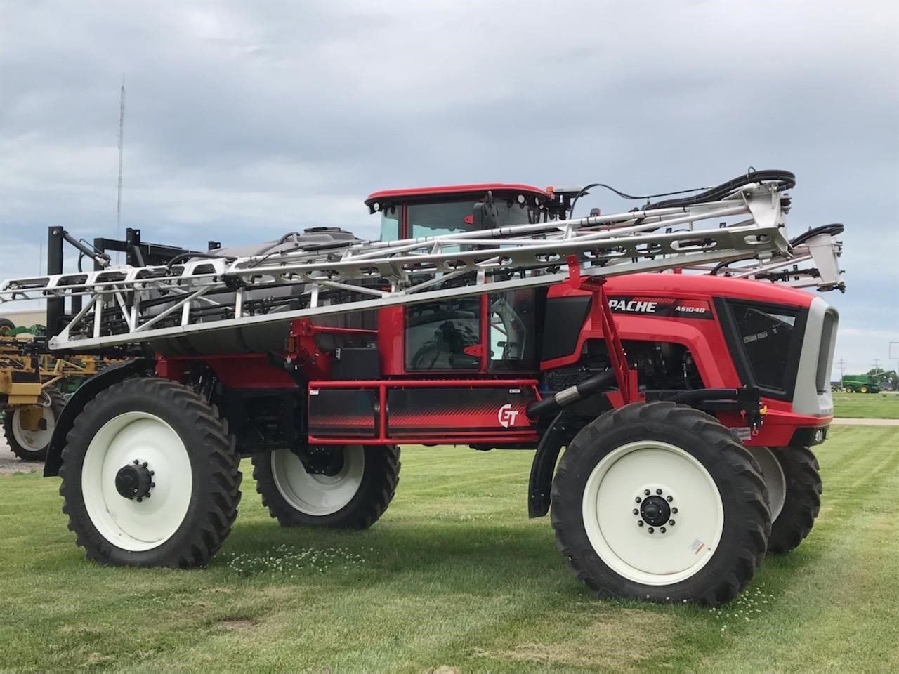2020 Apache AS1040 Self-Propelled Sprayer