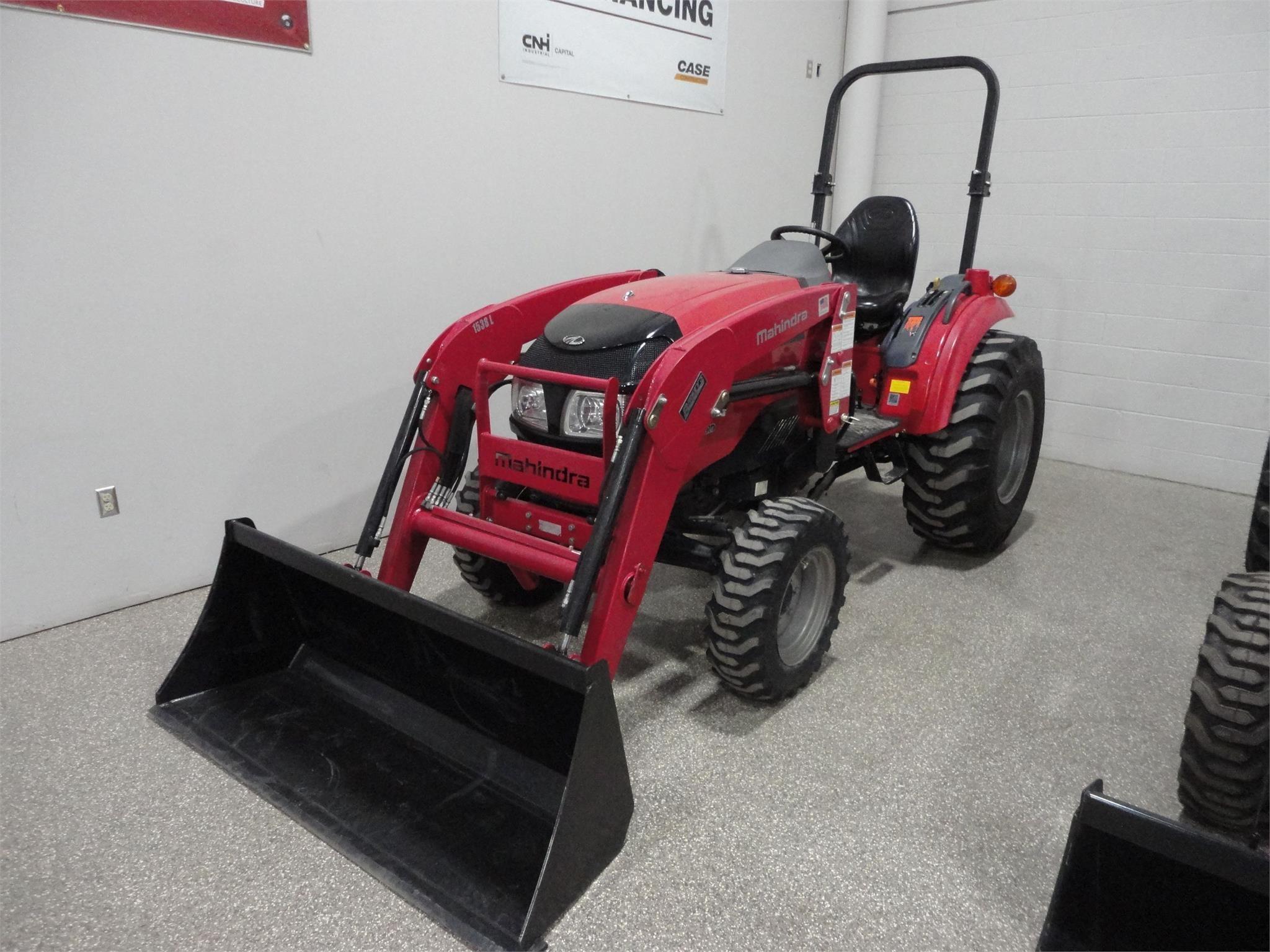 2017 Mahindra 1538 Tractor