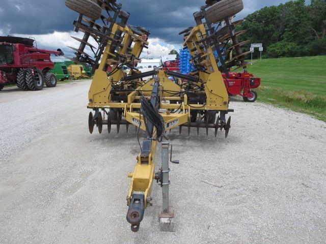 Landoll 850-19 Soil Finisher