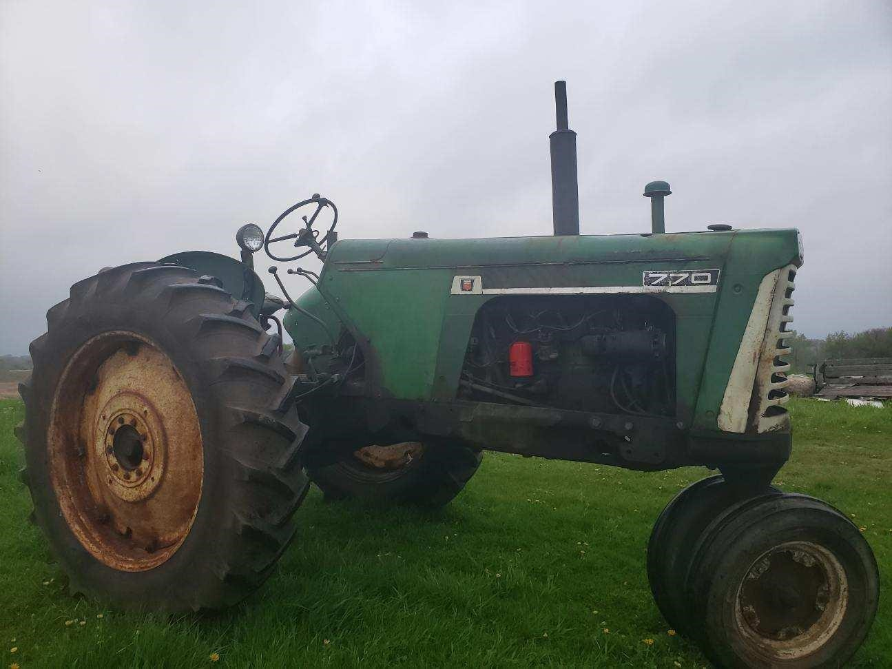 1967 Oliver 770 Tractor