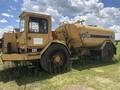 1989 Caterpillar D25C Compacting and Paving