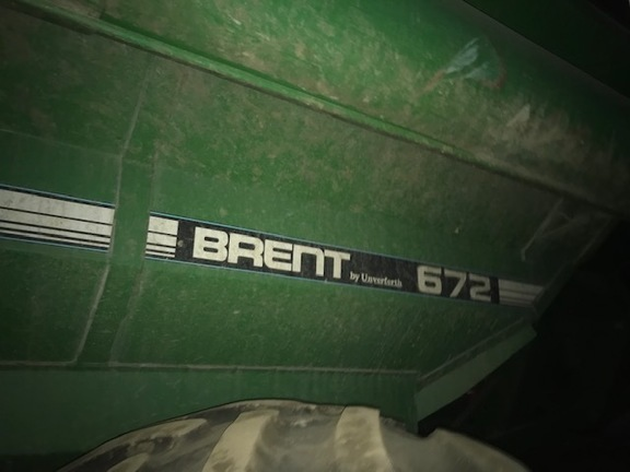 1993 Brent 672 Grain Cart