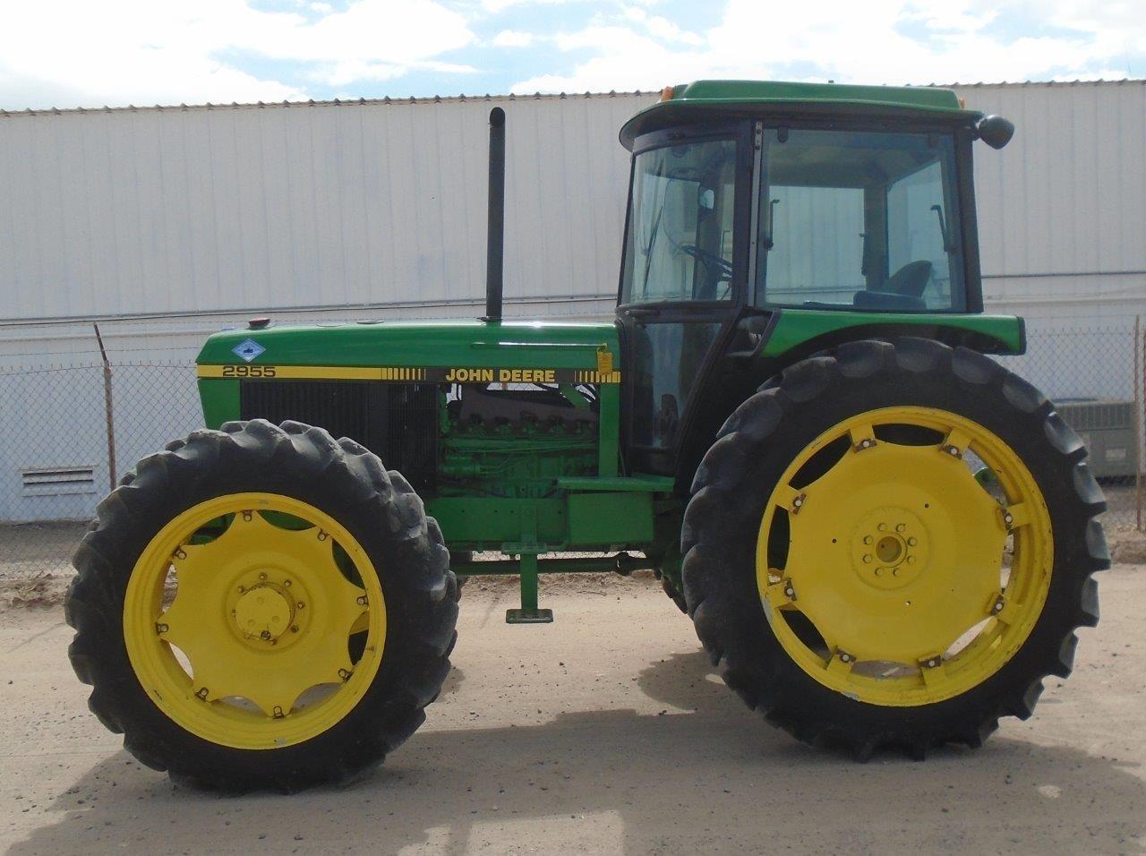 1992 John Deere 2955 Tractor
