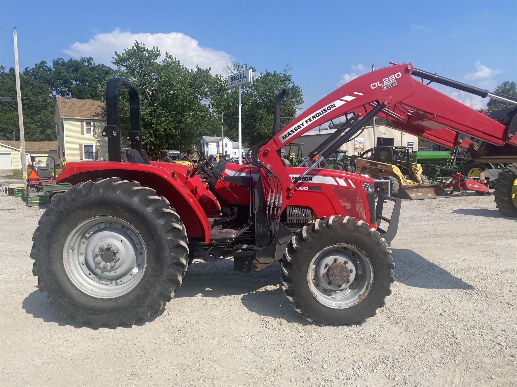 Massey Ferguson 2660HD Tractor