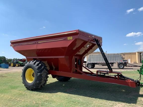 2009 Crust Buster 850 Grain Cart