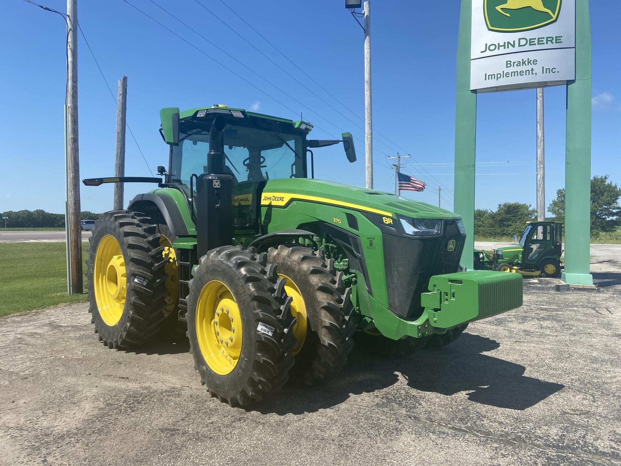 2020 John Deere 8370R Tractor