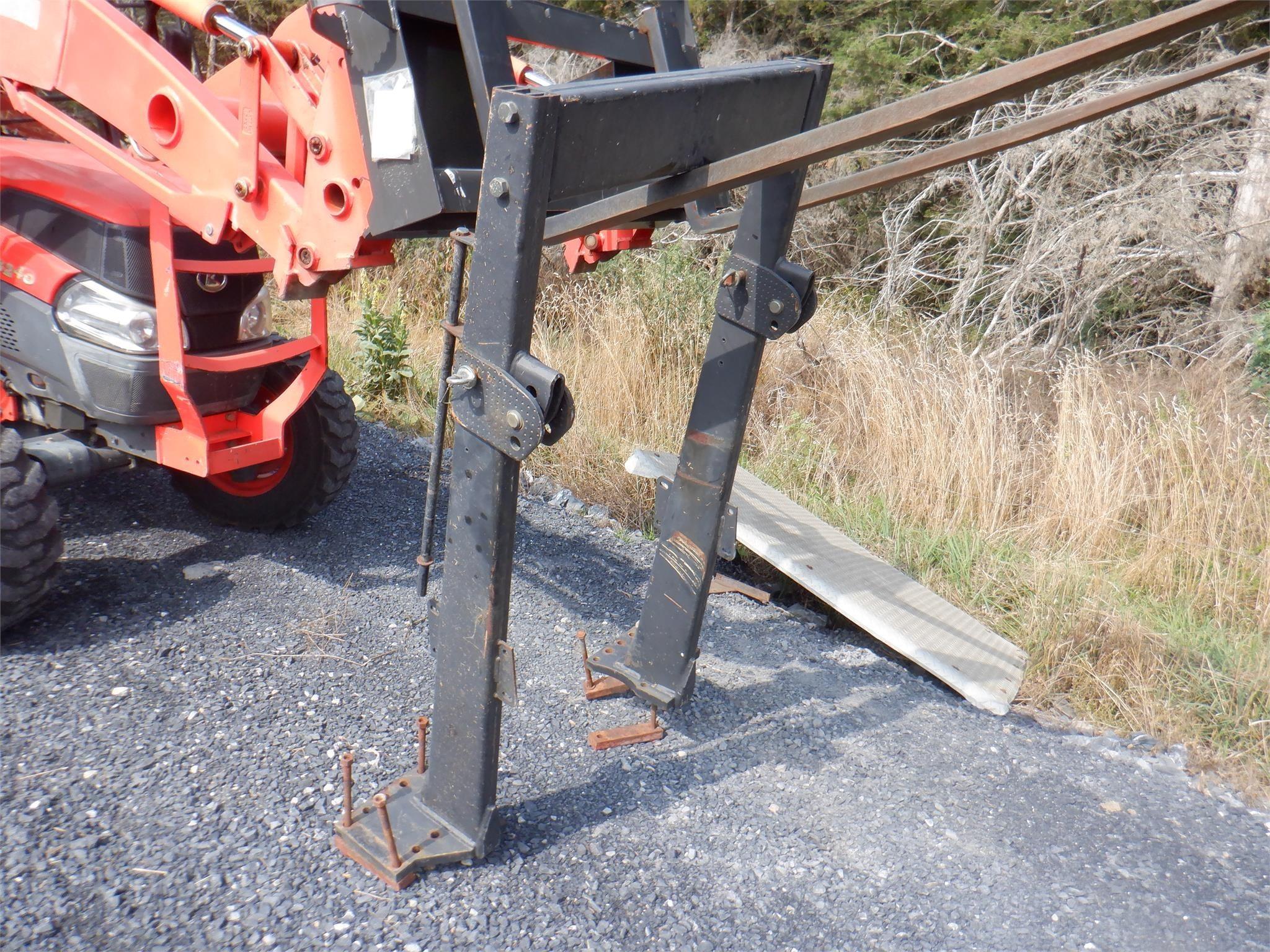 John Deere 2355 Tractor