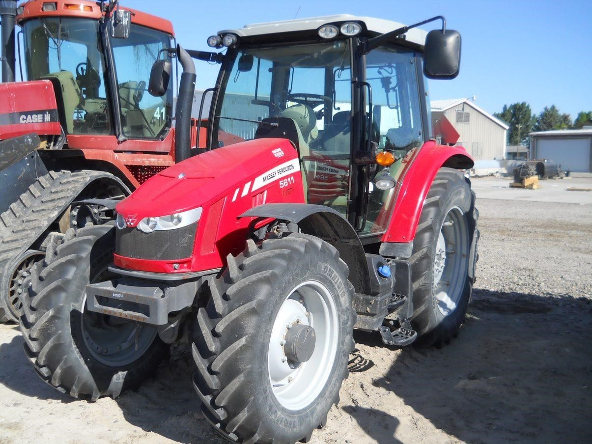 2014 Massey Ferguson 5611 Tractor