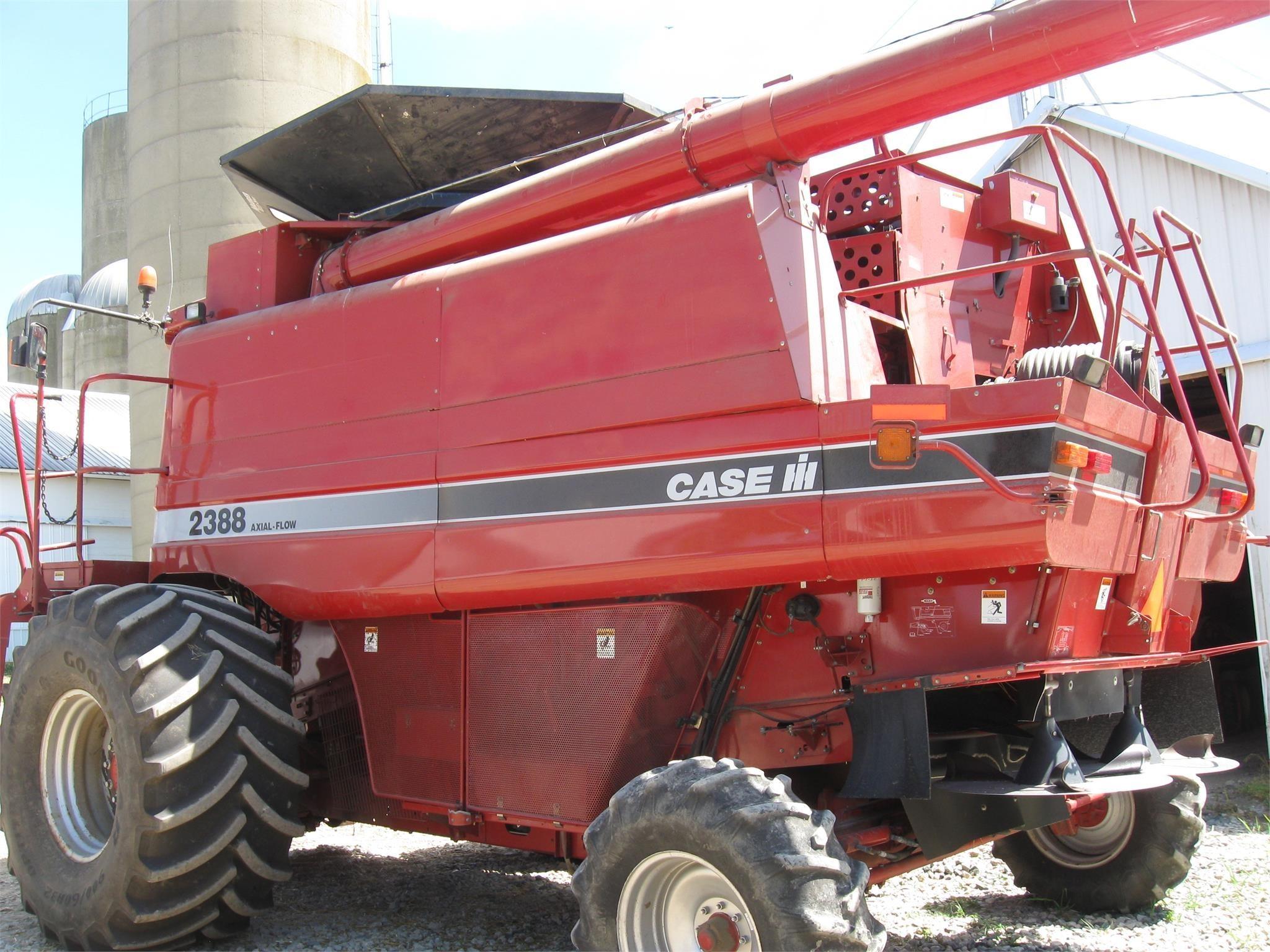 2005 Case IH 2388 Combine