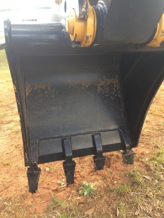 2019 John Deere BYT10981 Backhoe and Excavator Attachment