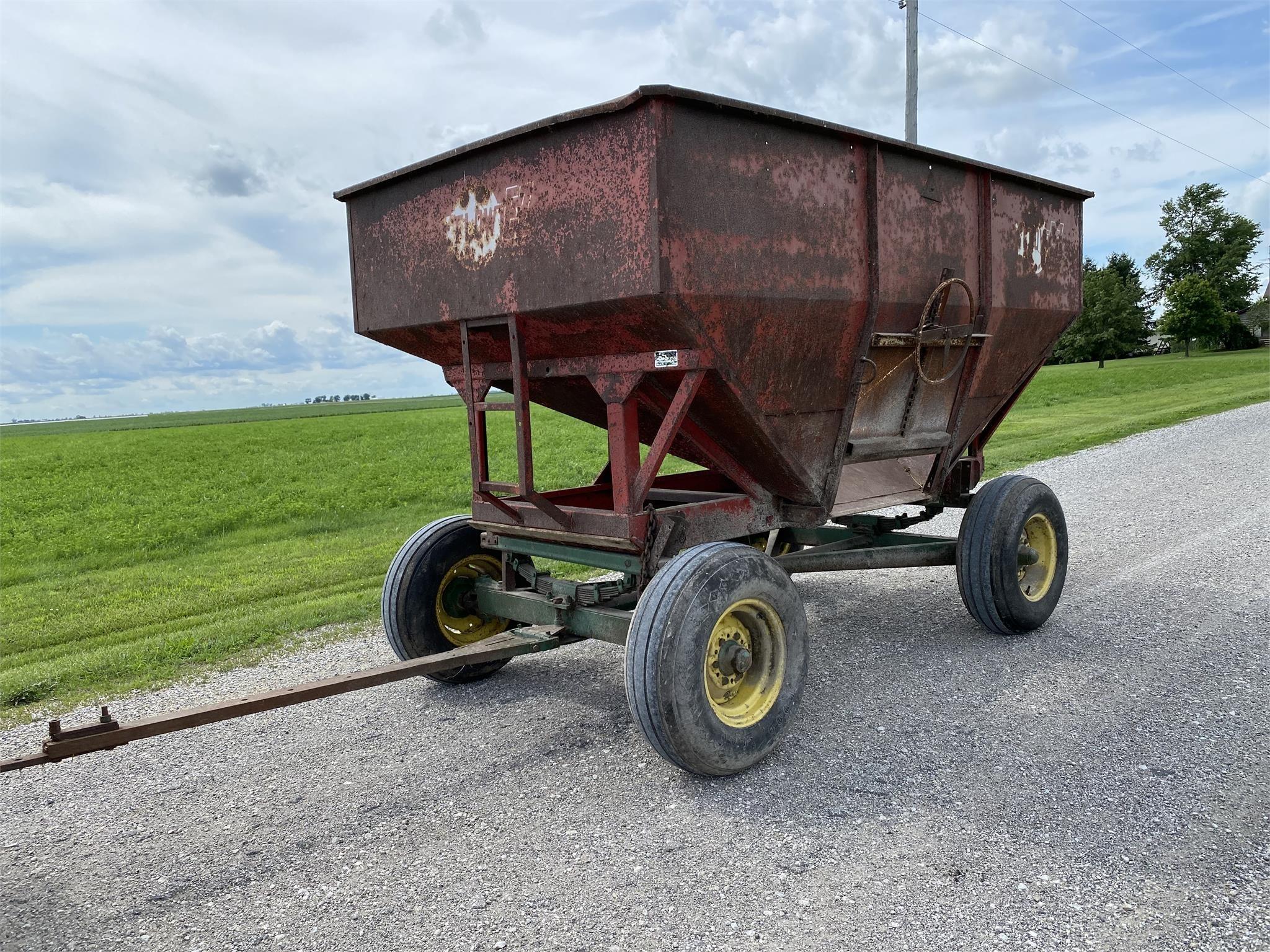 EZ-Flow 180 Gravity Wagon