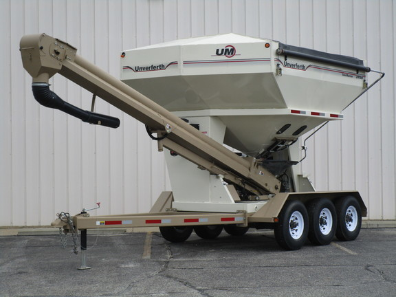 2010 Unverferth 3750 Seed Tender