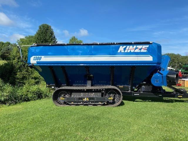 2016 Kinze 1300 Grain Cart