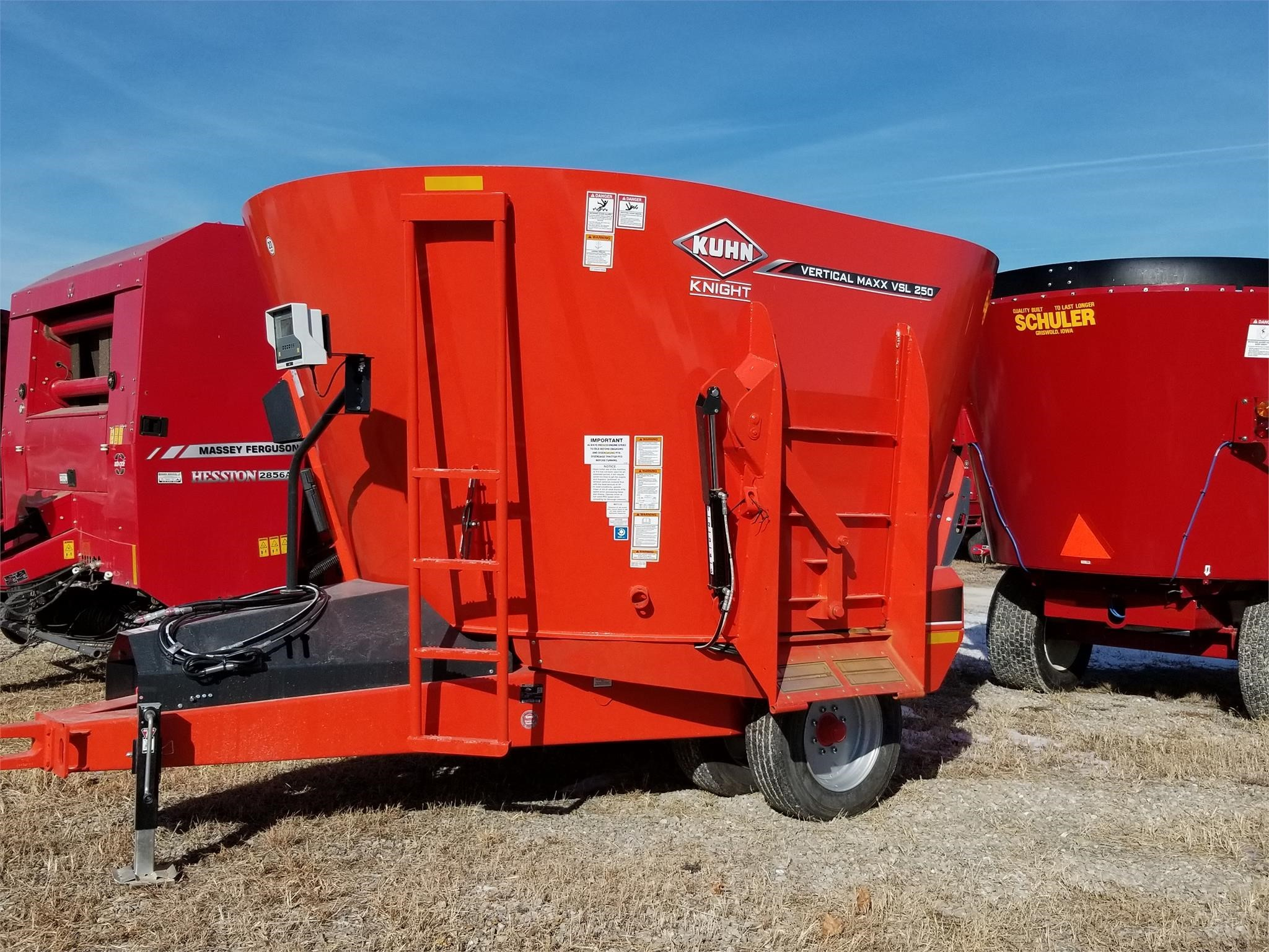 2019 Kuhn Knight VSL250 Grinders and Mixer