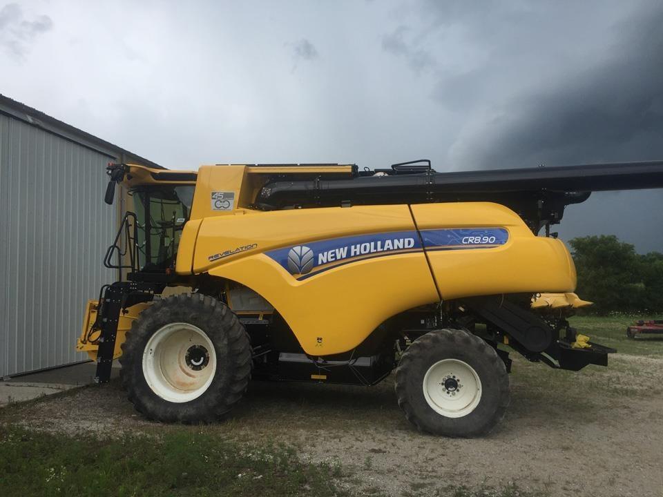 2020 New Holland CR8.90 Combine