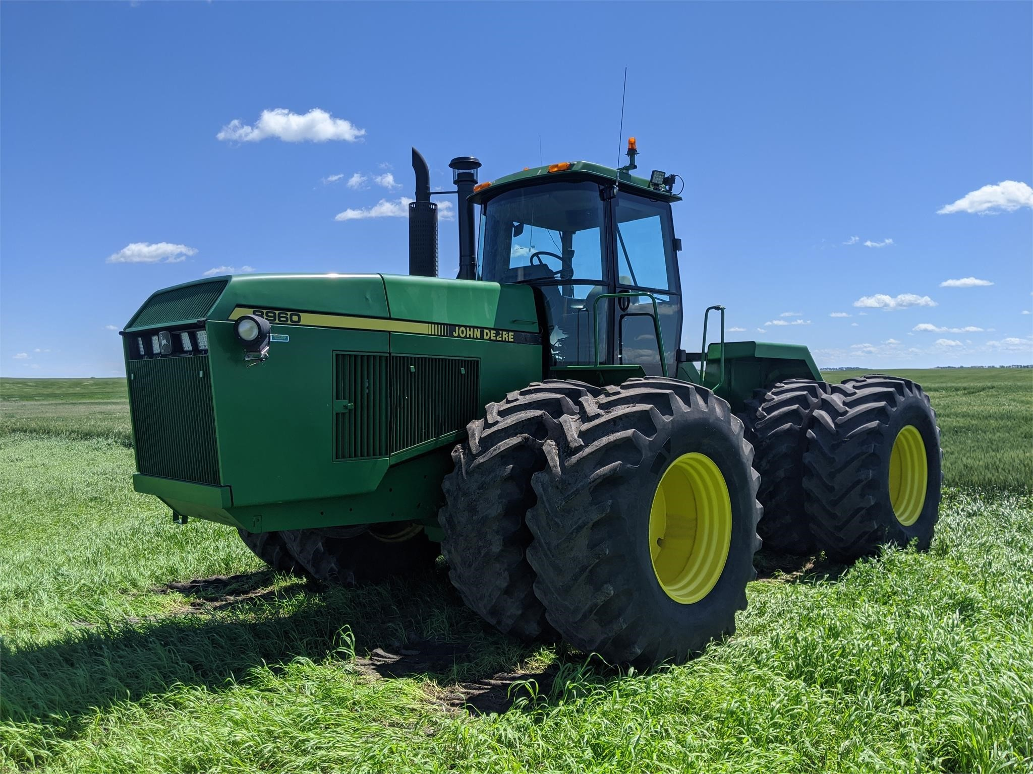 1989 John Deere 8960 Tractor
