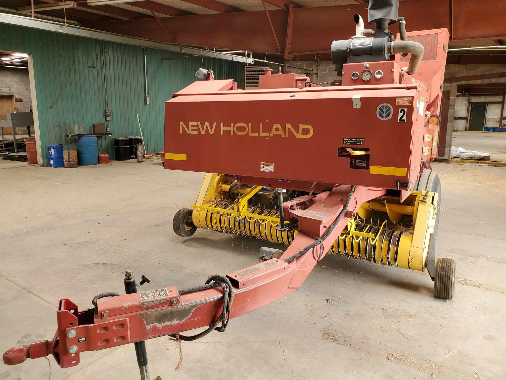 2003 New Holland BB900 Big Square Baler