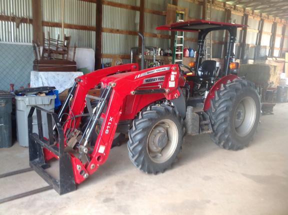 2018 Massey Ferguson 2607H Tractor