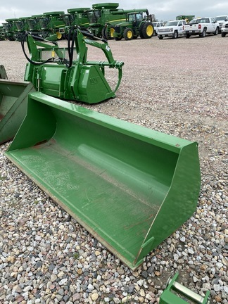 "2019 John Deere 84"" BUCKET Loader and Skid Steer Attachment"
