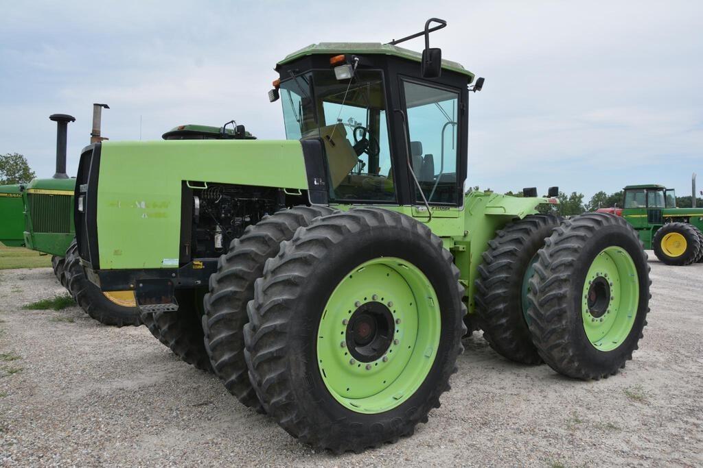 1986 Steiger Wildcat 1000 Tractor