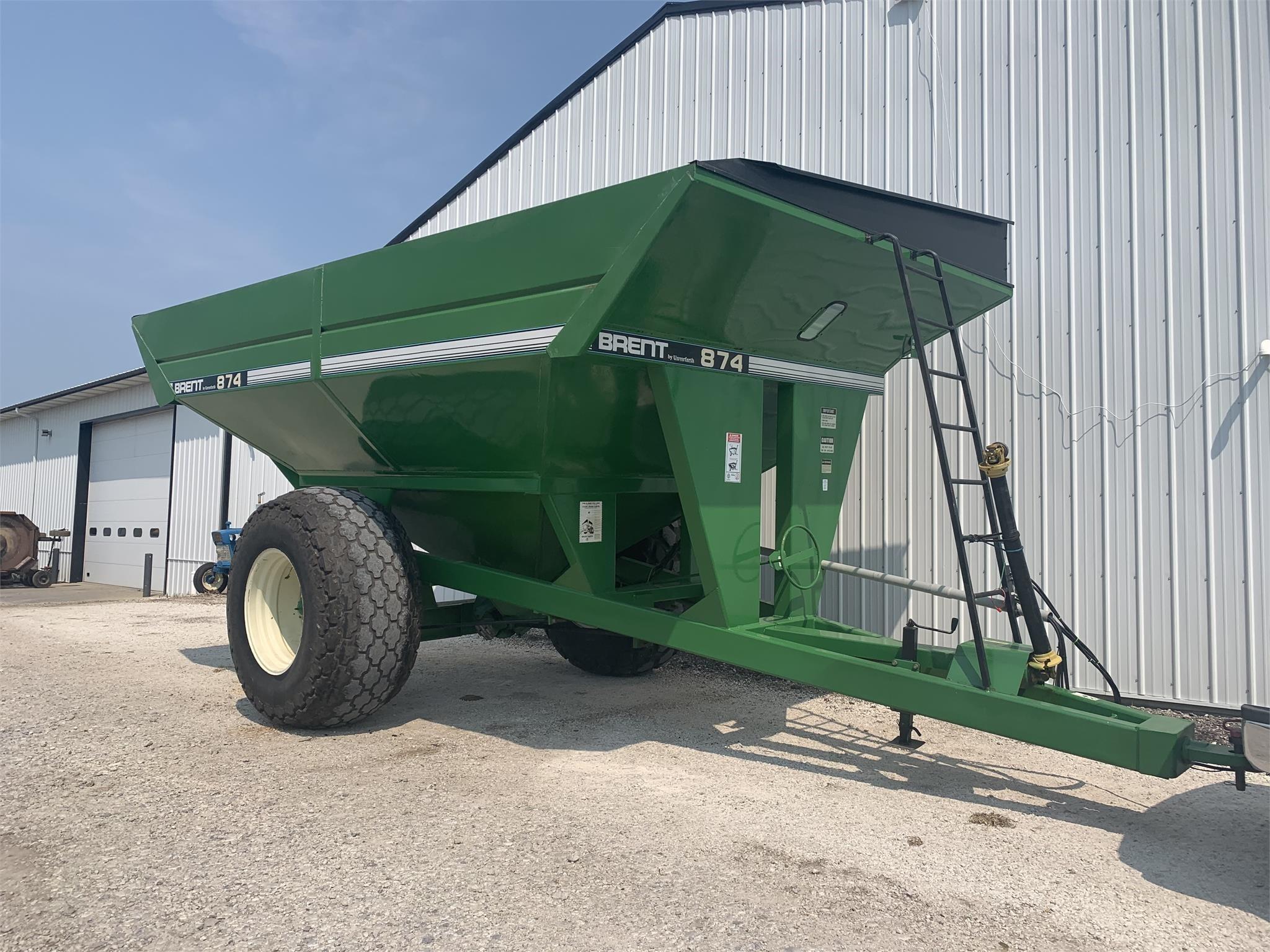 Brent 874 Grain Cart
