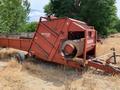 Hesston 4870 Feed Wagon