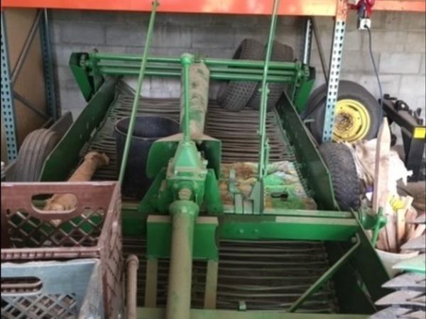 John Deere 2-Row Potato Digger