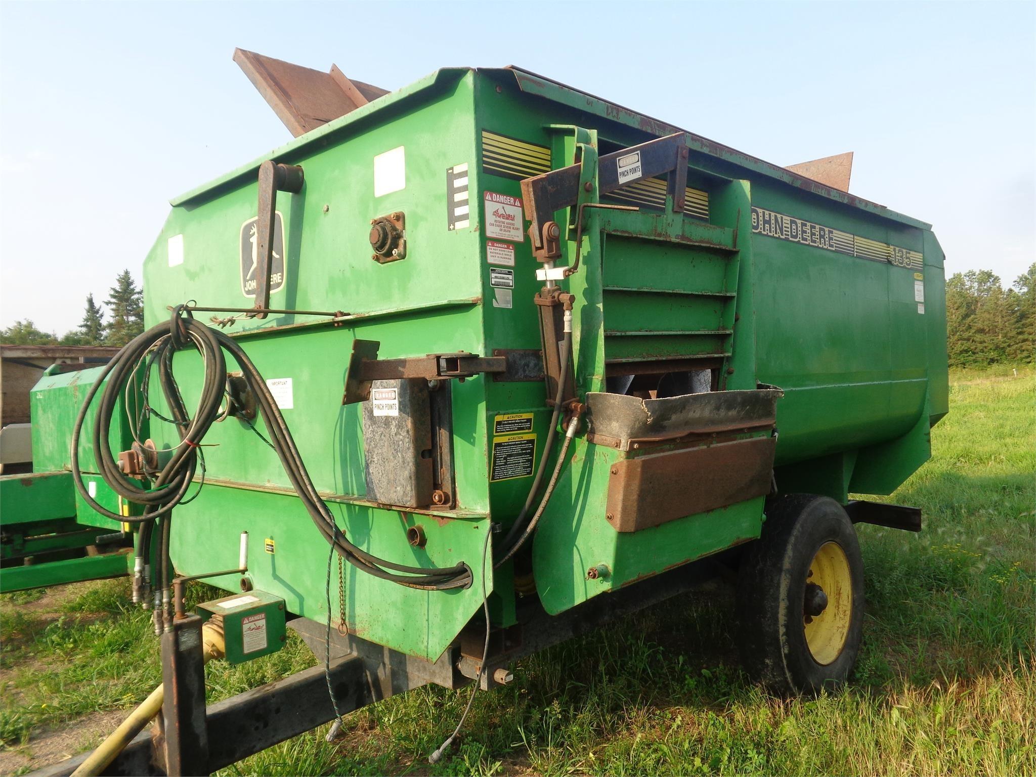 John Deere 135 Feed Wagon