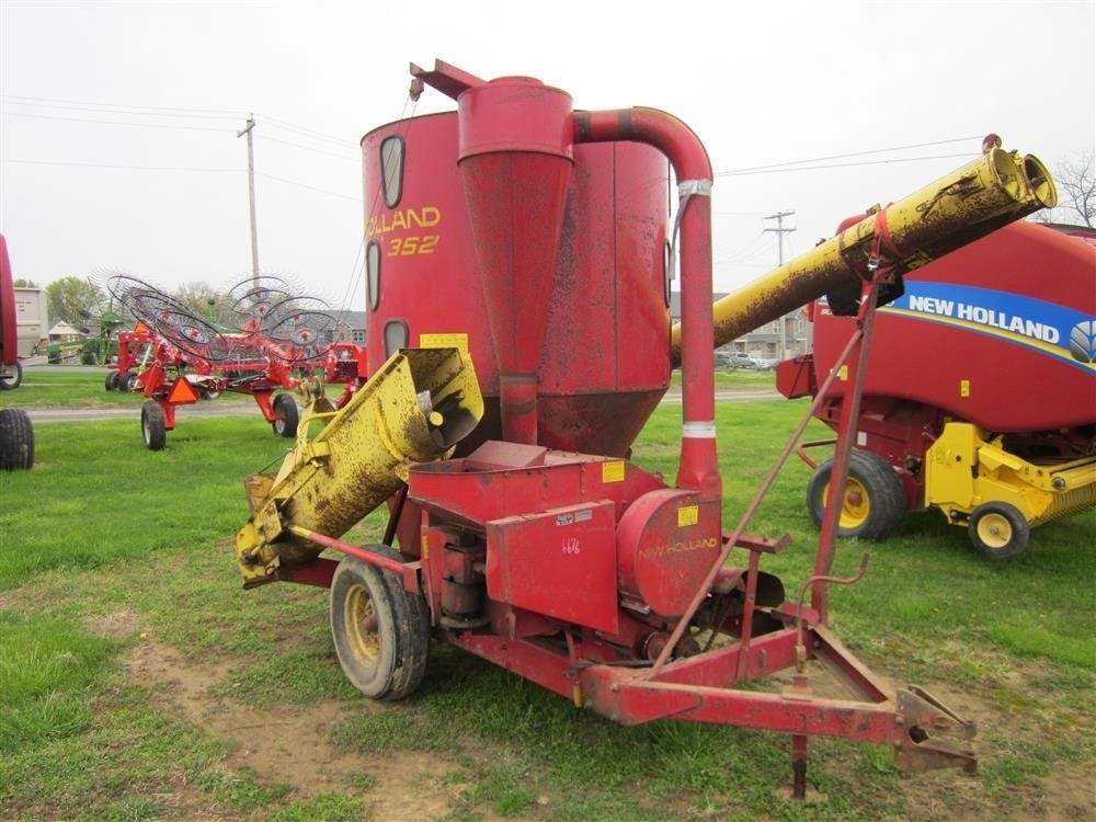 New Holland 352 Grinders and Mixer