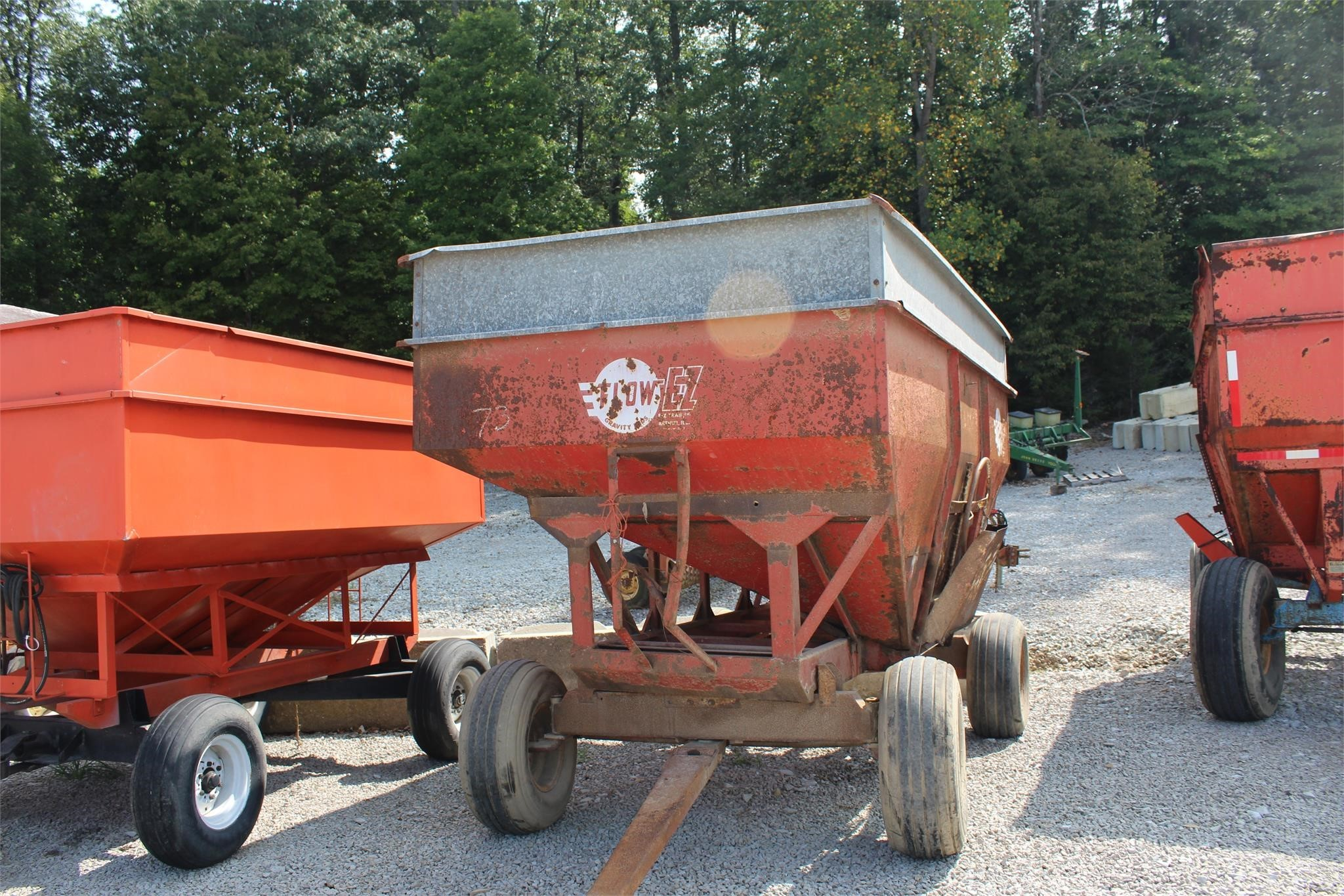 EZ-Flow 300 Gravity Wagon