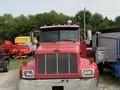 2004 Peterbilt 330 Semi Truck