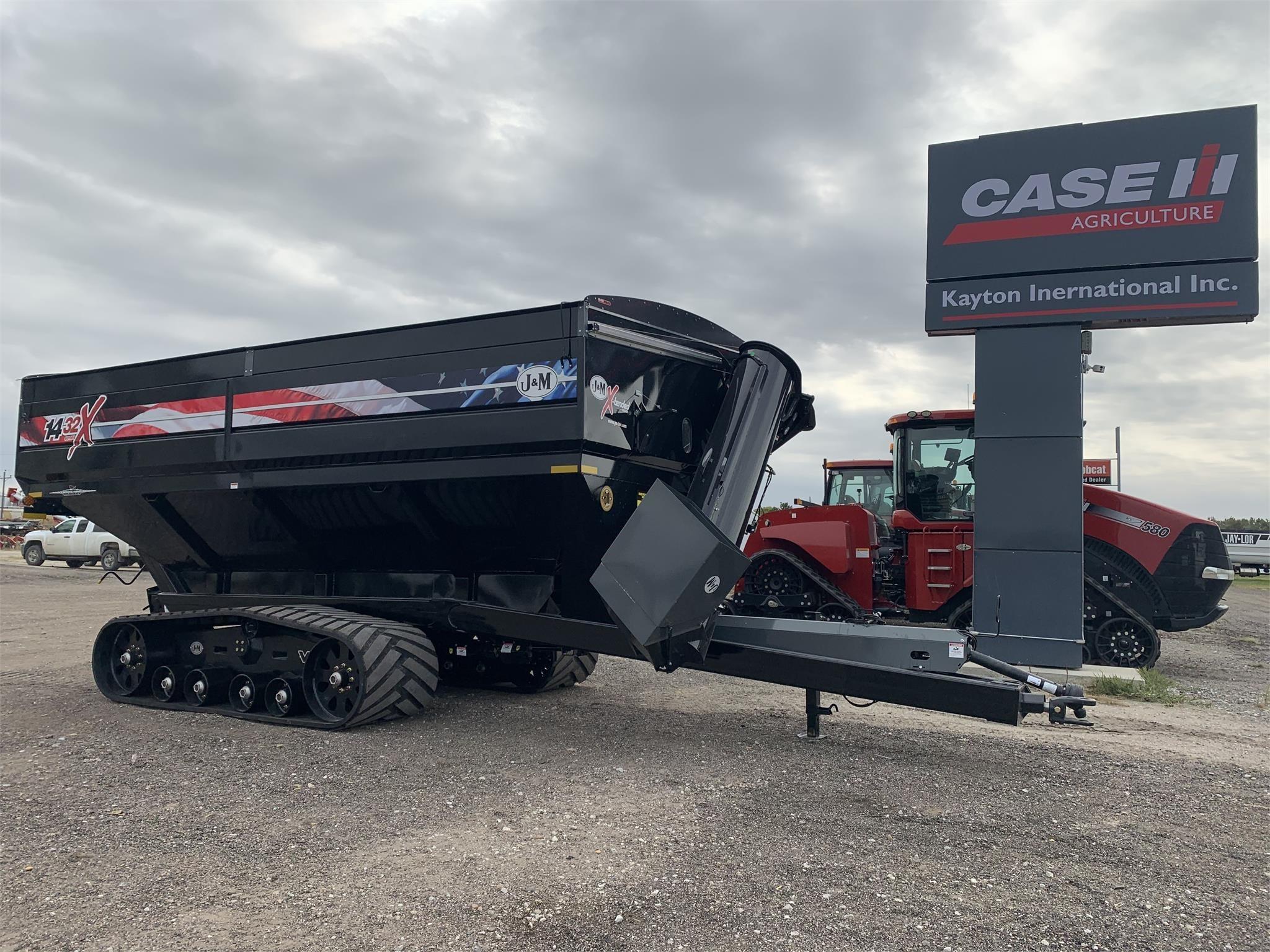 2020 J&M 1432 Grain Cart